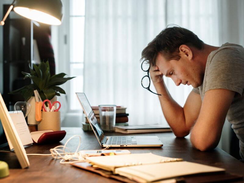 Evitar estrés tecnológico es algo esencial en el siglo XXl